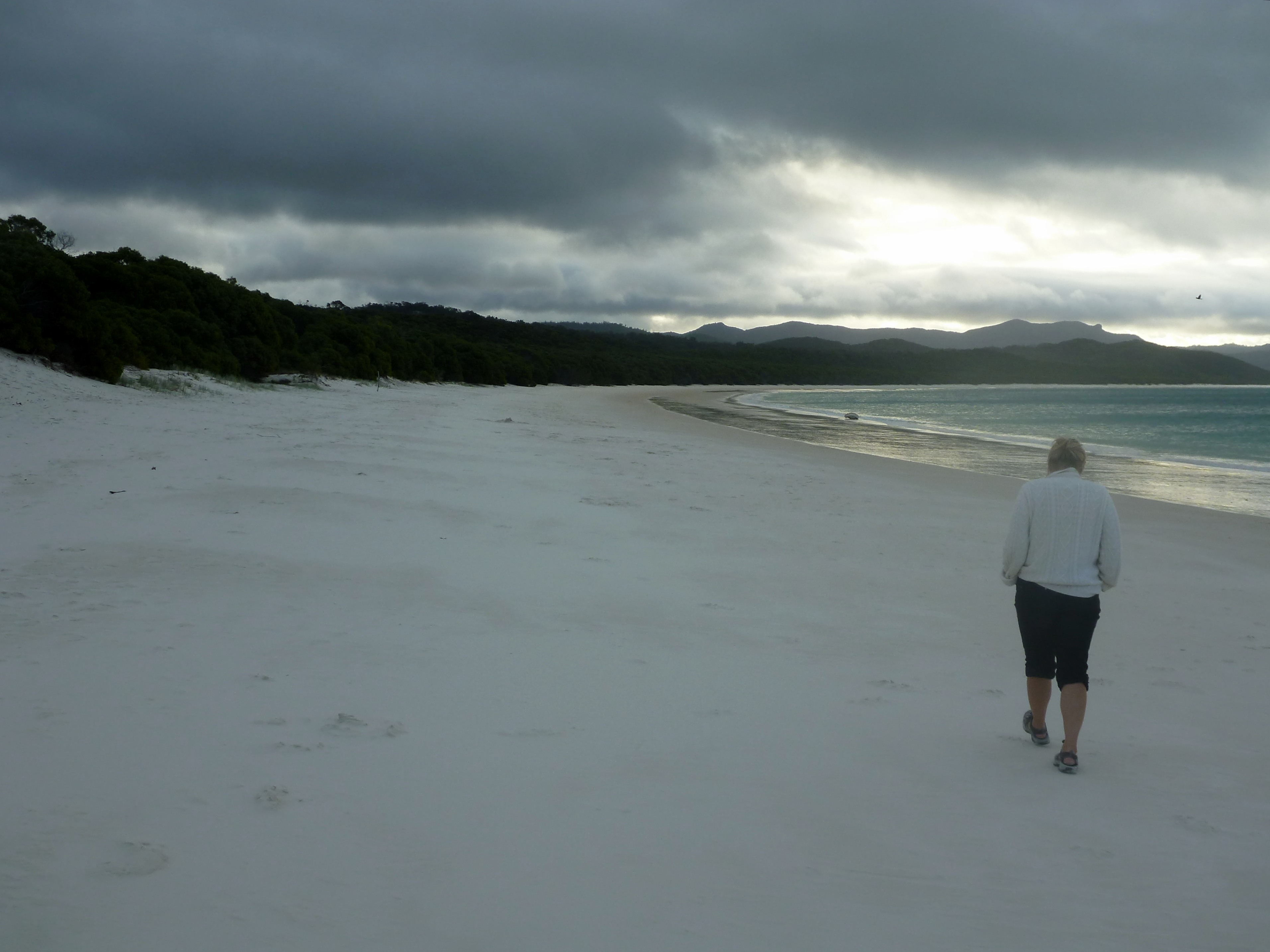 Whitsunday islands australia travel journal larry and diana after consulting the tide charts to make our low and high tide calculations we selected a spot in 5 meters to drop anchor even though the sky still looked nvjuhfo Gallery