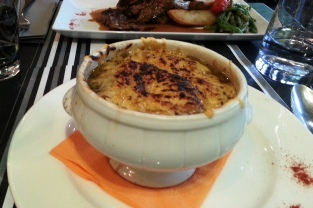 web_le-brise-miche_onion_soup_1